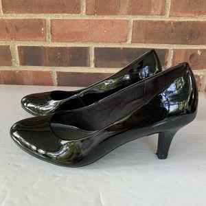 Life Stride black pump heels